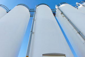 painted by Induspray: industrial storage tanks in Indianapolis