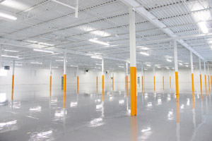 painting of warehouse ceilings, steel beams & epoxy floor in Dearborn