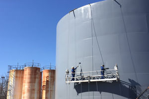 commercial painters painting of storage tanks in Cincinnati, Ohio